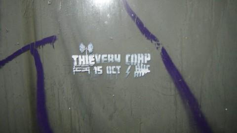 Castigatorul concursului Thievery Corp. (stencil)