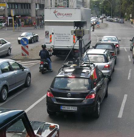 berlin-google-maps-street-view-car