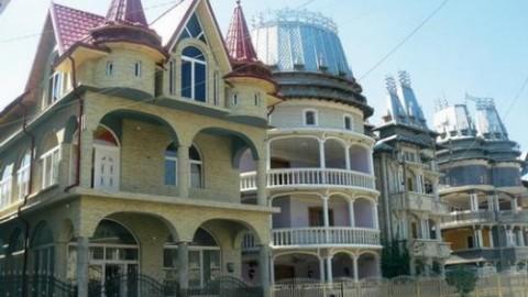 Despre palatele romilor pe cafebabel.com
