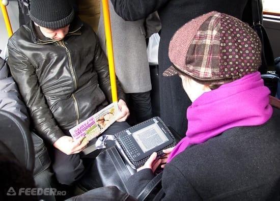 Cu Kindle-ul prin transportul in comun