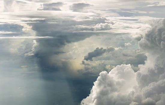 Norii fotografiati de la 6.000m