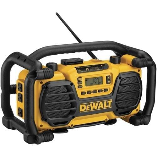 DEWALT DC012 - cel mai dur radio