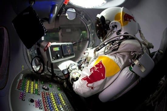 Felix Baumgartner, primul om care va depasi viteza sunetului in cadere libera din Stratosfera