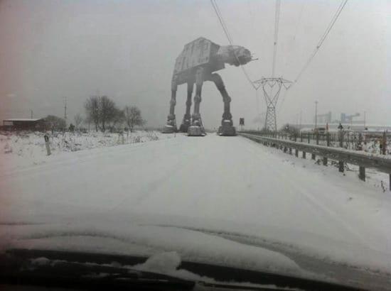 Ce se intampla pe drumurile inchise din cauza zapezii