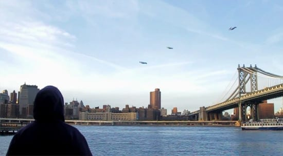 Scene SF: Oameni zburand pe cerul New York-ului