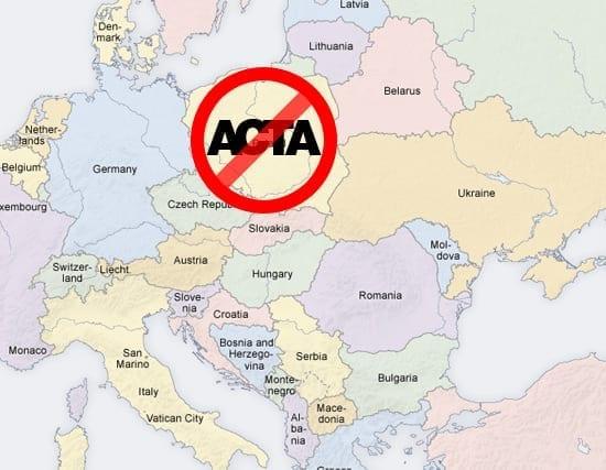 In urma protestelor masive, Polonia a suspendat procesul de ratificare ACTA