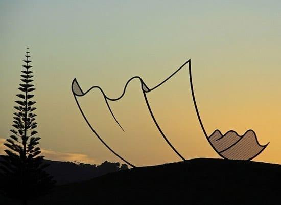 Sculpturi suspendate, Neil Dawson