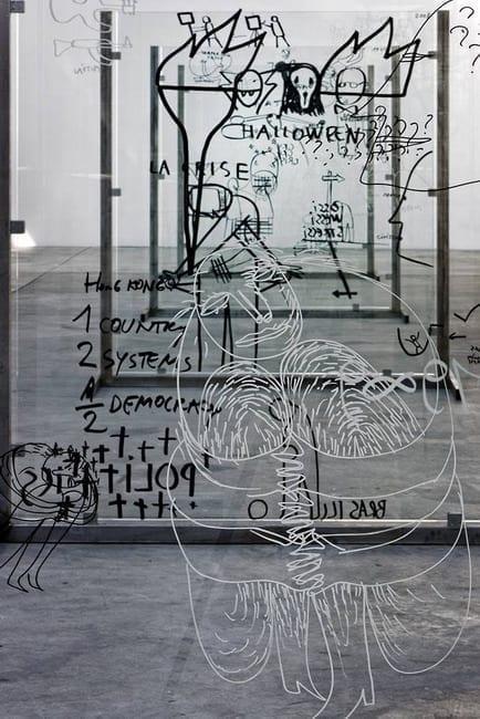 Dan Perjovschi pe sticlă - 2