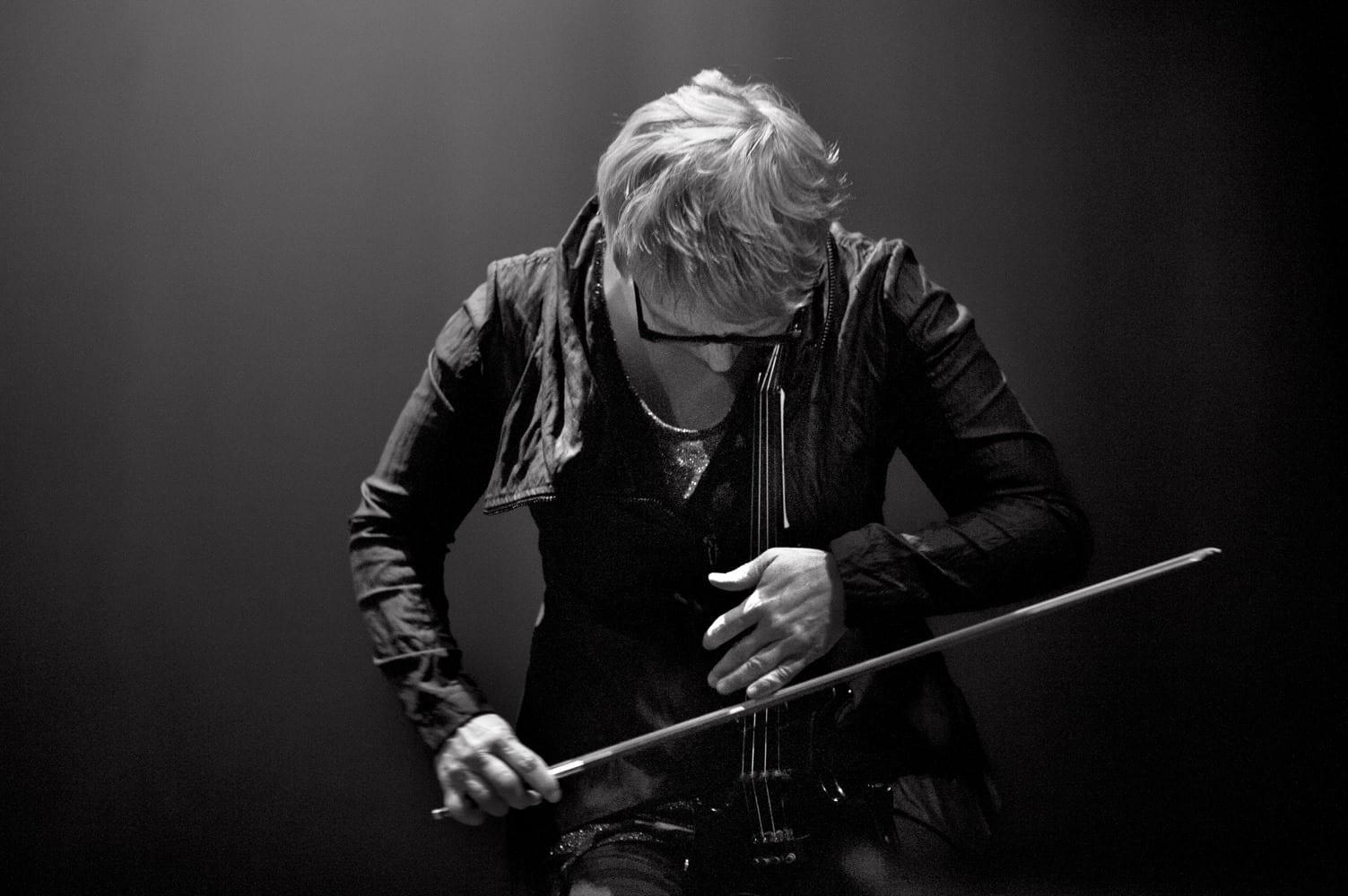 Sâmbătă Sonoră w/ Mia Zabelka, solo vioară & electronice @ Control