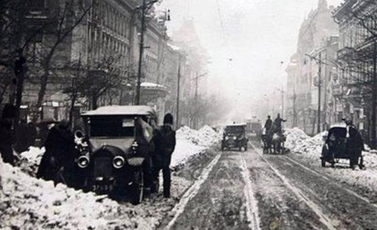 1920 Cinema Capitol iarna