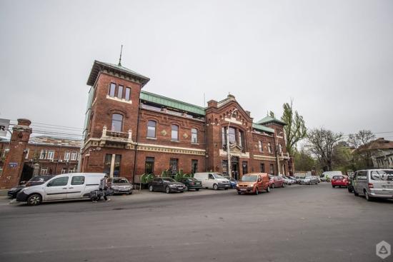 Clădiri reabilitateThe Ark București,Bursa Marfurilor,piata de flori George Cosbuc