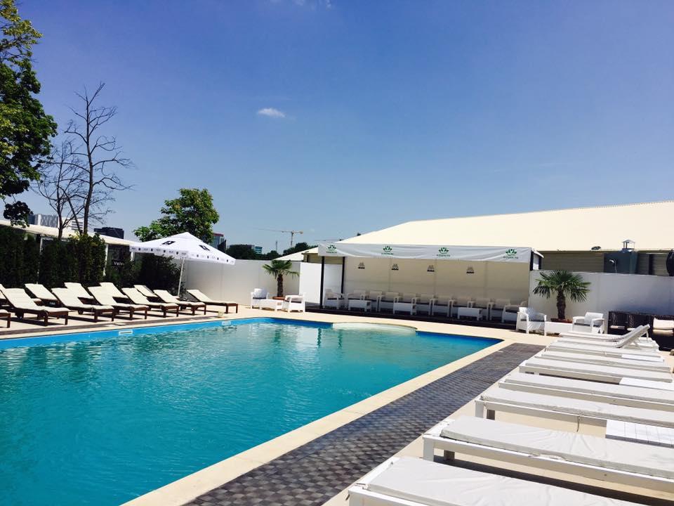 Kundalini Pool Bar & Lounge