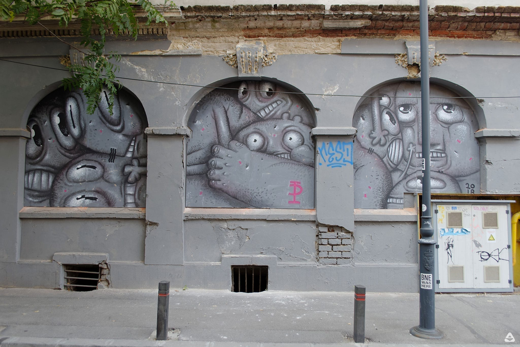 Un-hidden Bucharest street art intervention Pisica Pătrată M60