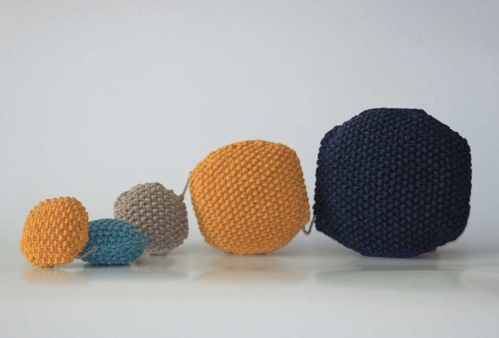 Complete your house decor with new and playful Oriz pillows