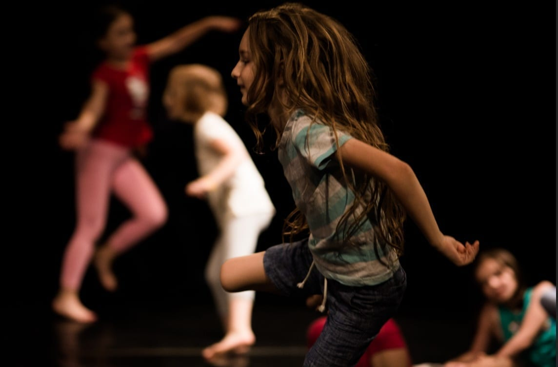 Școala performativă pentru copii CNDB se redeschide pe 16 octombrie