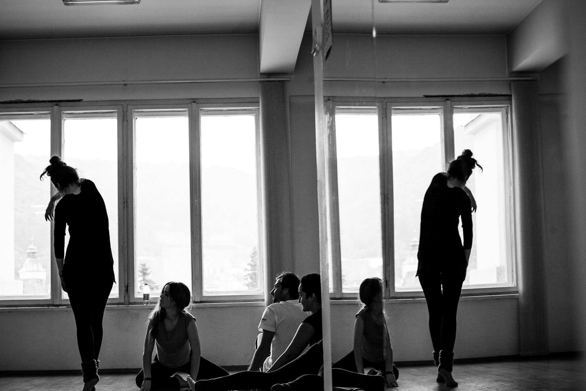 Oglinda Empatică - I Dance You
