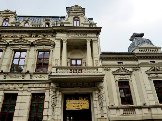 Casa cu cariatide Dionisie Lupu 70-72 renovata poza 11.06.2019