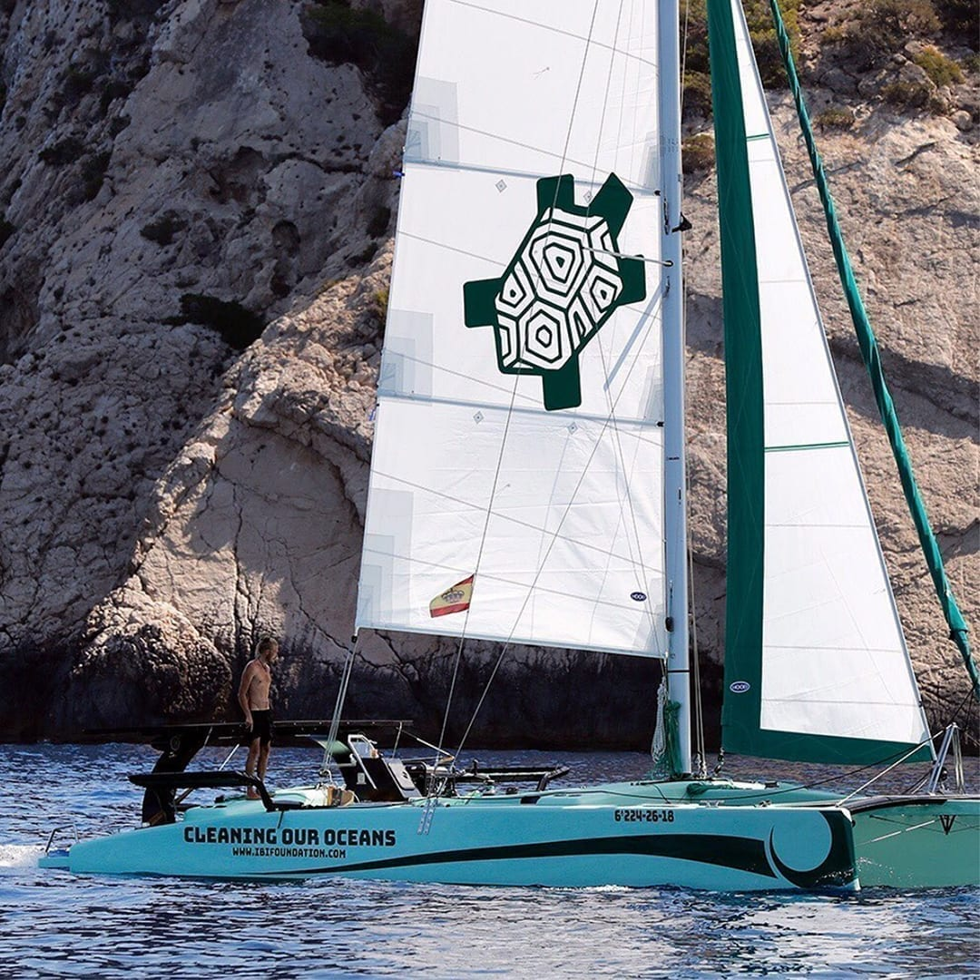 iBi Catamaran Seasonal change signifies an opportunity to board a boat and help our planet become plastic-free