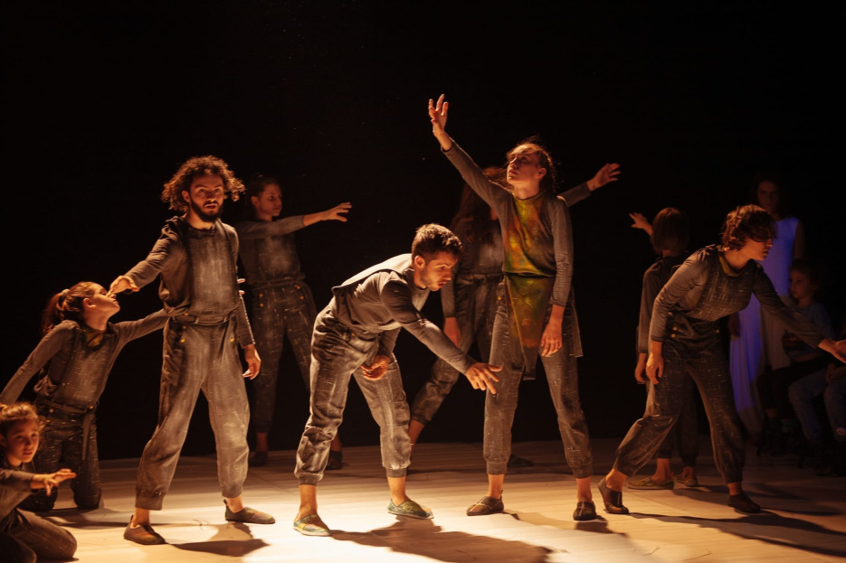 Val și Cetatea Sufletelor – primul spectacol pentru copii produs de CNDB, după o carte de povești de Ana Alfianu, revine pe scenă!
