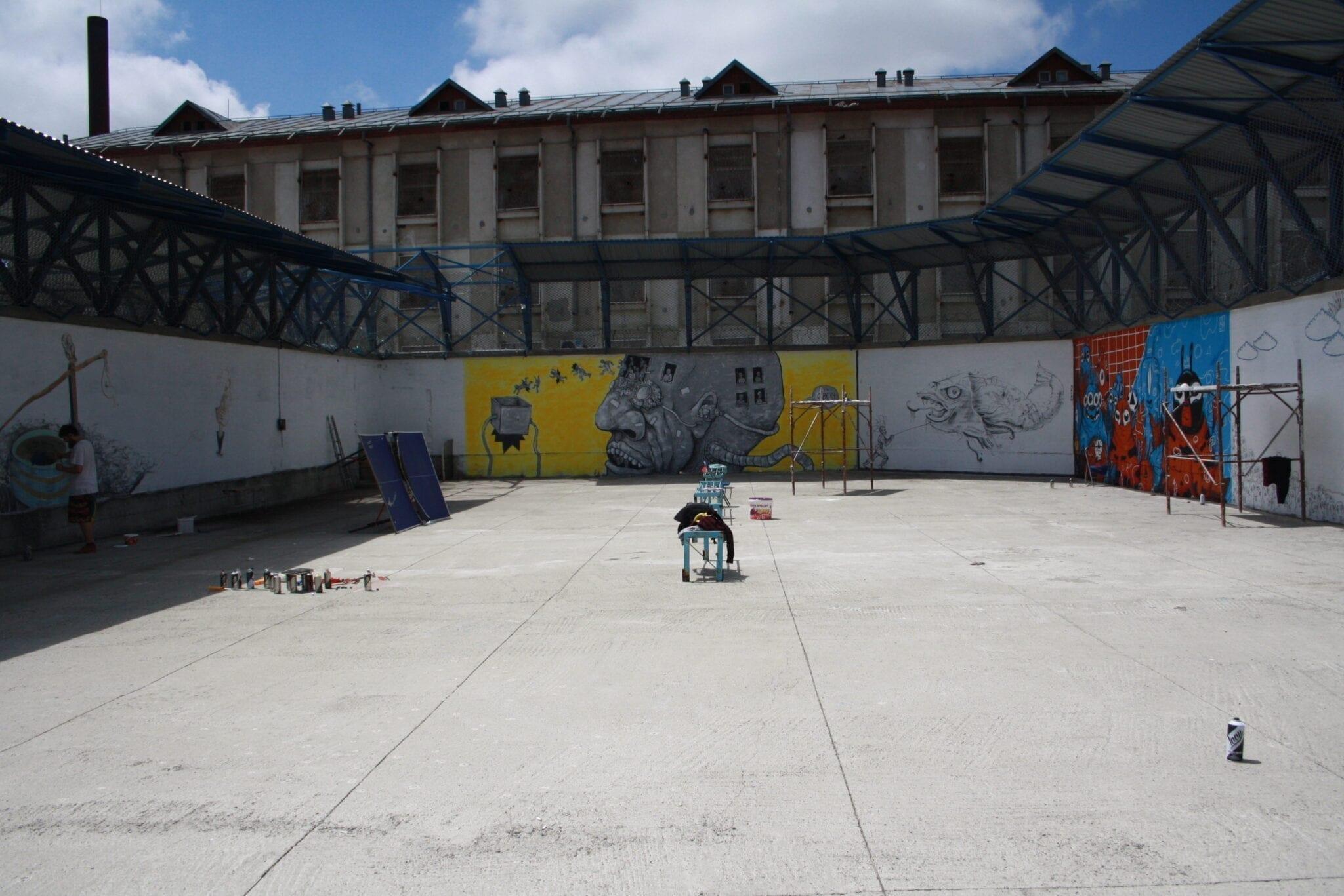 Robert Obert Street Delivery penitenciarul Iași 2018 Street Delivery penitenciarul Iași 2018 Un-hidden street art in Romania book art files