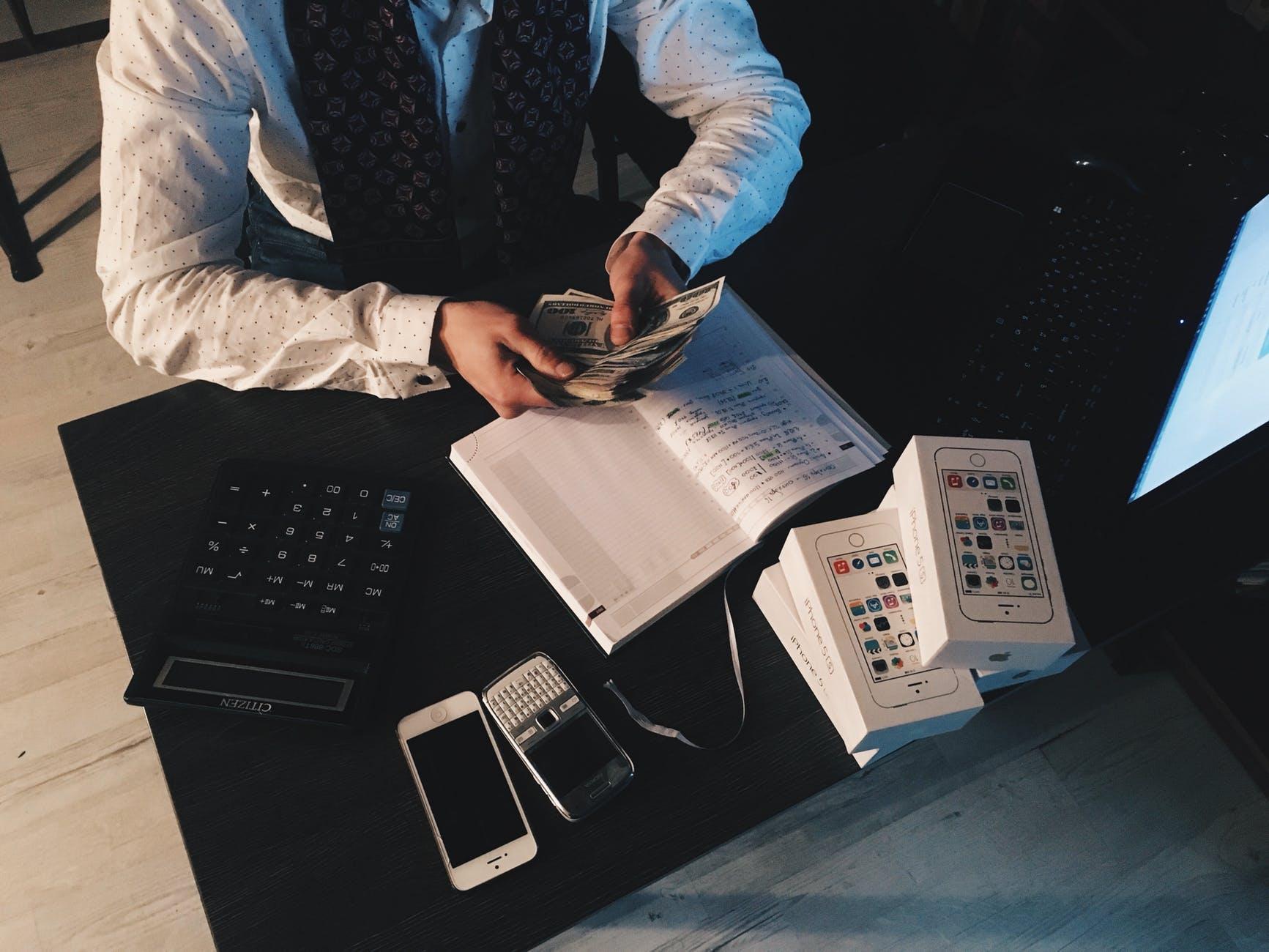 Atelier online de educație financiară. Cum să economisești inteligent?