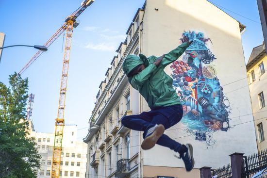 Obie Platon - Art for Air, street art in Bucharest